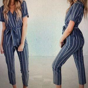 Women's short sleeve jumpsuit size small